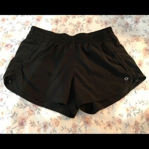 Gap Fit black ruched running shorts size S